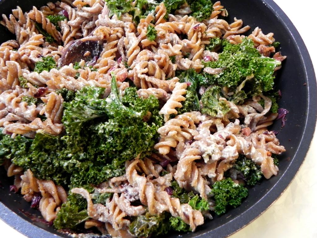 creamy kale pasta