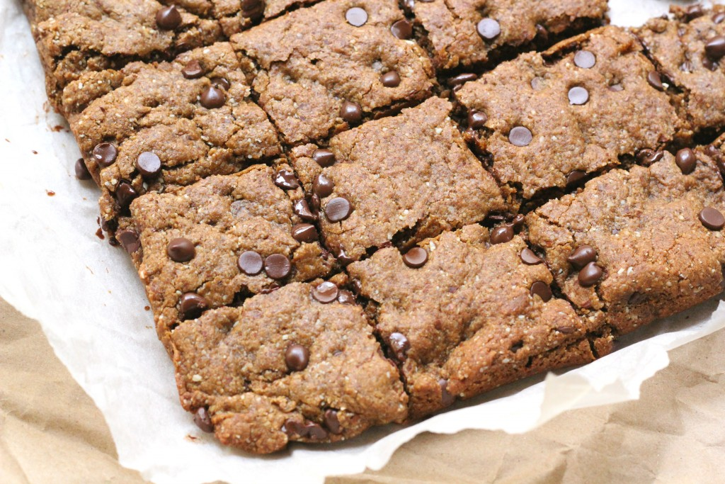 healthy chocolate chip blondies