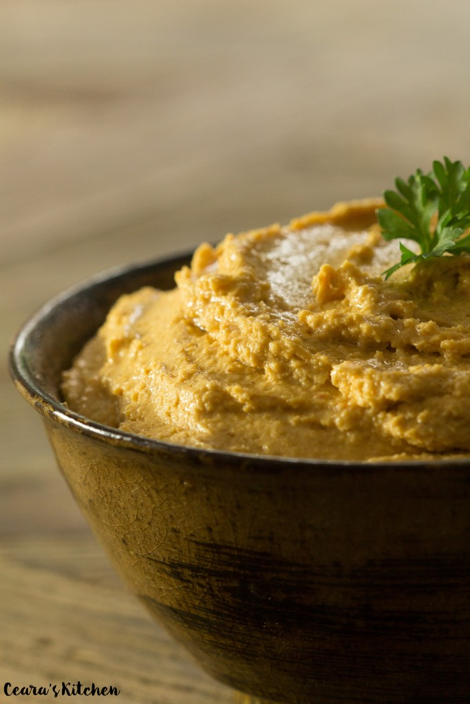 Vegan Roasted Garlic & Harissa Hummus