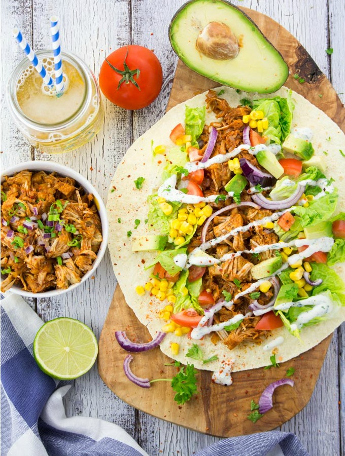 Vegan-Pulled-Pork-Wrap-with-Avocado-