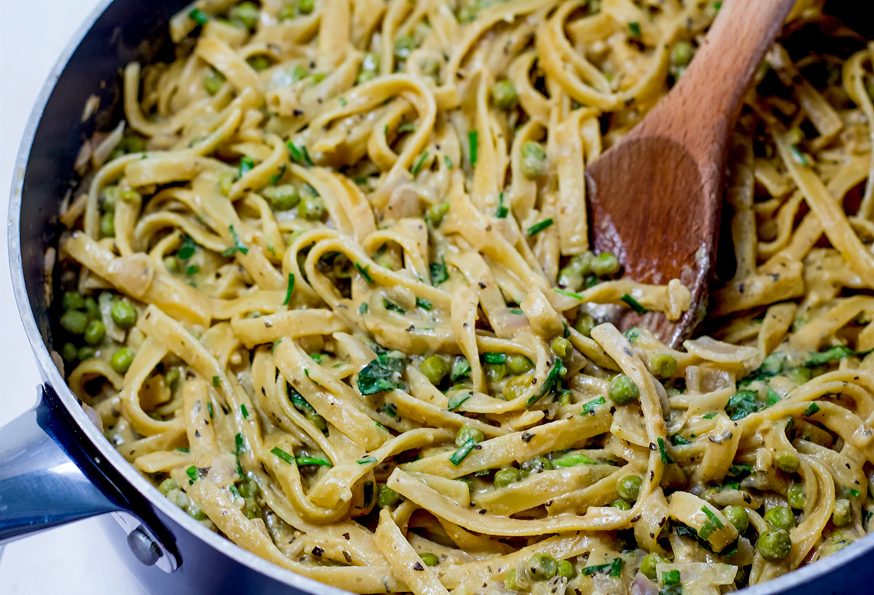 Vegan One Pot Fettuccine Alfredo